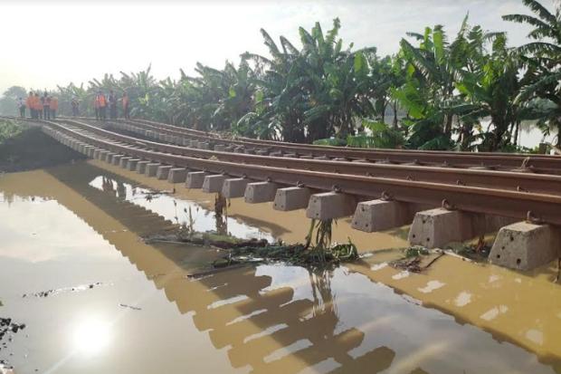 Normalisasi Rel Belum Rampung, Hari Ini KAI Kembali Batalkan Semua Perjalanan Bandung-Jakarta