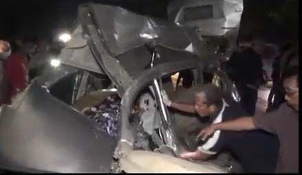 Tragis! Delapan Orang Sekeluarga Tewas Tabrakan dengan Bus Intra