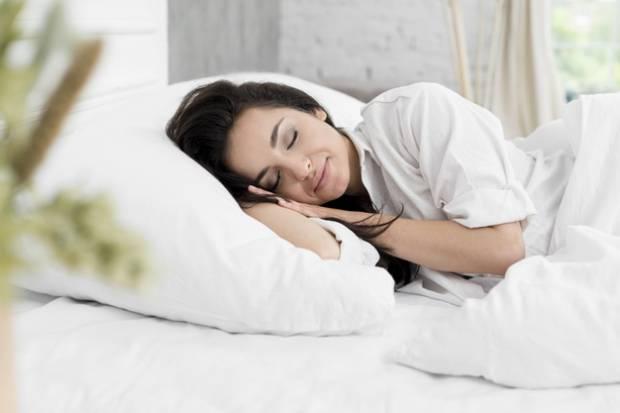 Kerjanya Cuma Tidur di Resort Mewah, Situs Ini Siap Membayar Anda Rp28 Juta