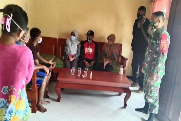 TNI Polri Dampingi Bidan Desa Lakukan Tracing Contact COVID-19