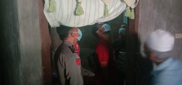 Padang Gempar, Wanita Ditemukan Tergantung dengan Kabel Listrik