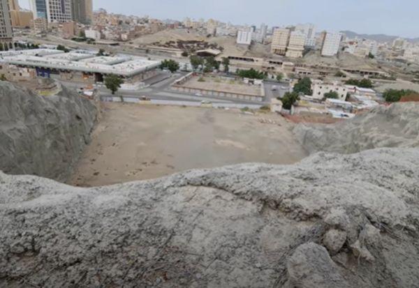 Bau Busuk dan Angkernya Kuburan Abu Lahab, Paman Sekaligus Musuh Nabi SAW