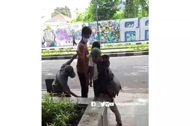 Aksi Copet di Alun-alun Bandung Direkam Warga, Videonya Gemparkan Media Sosial