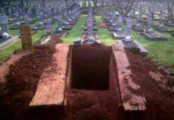Orang Mati Disiksa karena Tangisan Orang yang Hidup