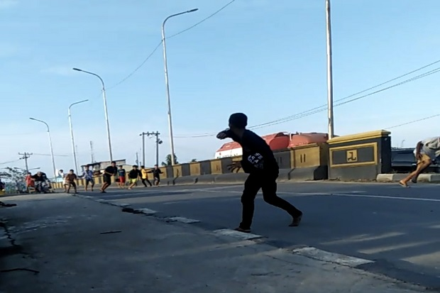 Medan Labuhan Memanas, Tawuran Antar Remaja Pecah di Jalanan