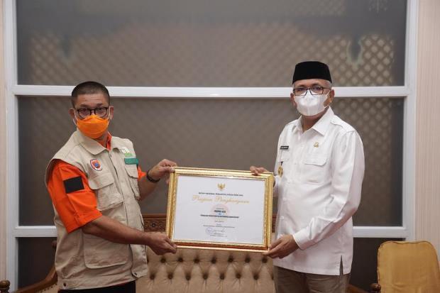 Sukses Kendalikan Covid-19, Pemprov Aceh Raih Penghargaan dari BNPB