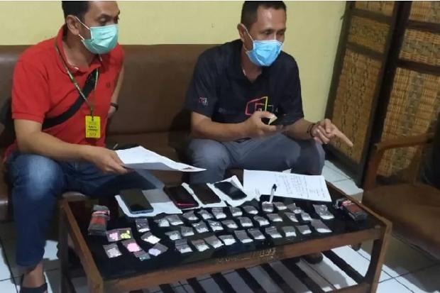 Aparat Tangkap Penyelundup 31 Paket Sabu ke Rutan Kebonwaru Bandung
