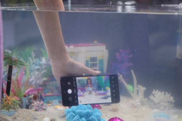 Tips Foto Bawah Air Menggunakan Kamera 64 MP Samsung Galaxy A72