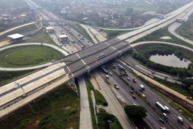 Ada Pengerjaan Erection Highmast, Gerbang Tol Cengkareng ke Bandara Soetta Terdampak