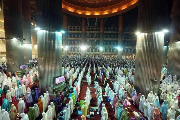 Terbitkan Edaran, Muhammadiyah Bolehkan Salat Tarawih di Masjid