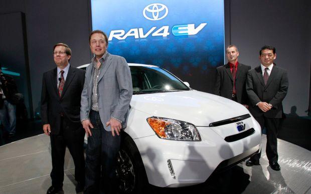 Toyota dan Tesla Dikabarkan Siap Bikin SUV Listrik Kembar