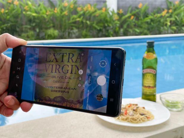 Tips Memaksimalkan Kamera Smartphone untuk Memotret Makanan, Check!
