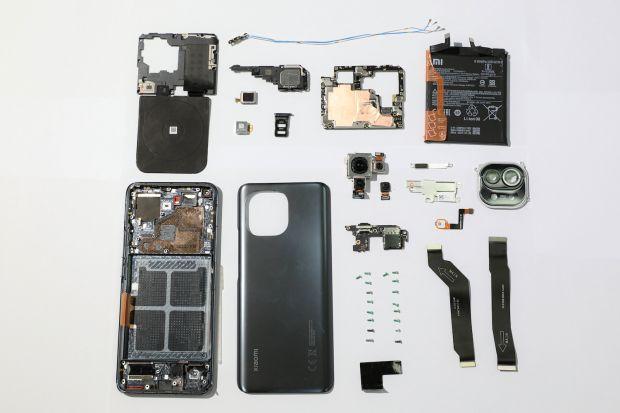 Mengejutkan, Ternyata Begini Isi Jeroan Xiaomi Mi 11!