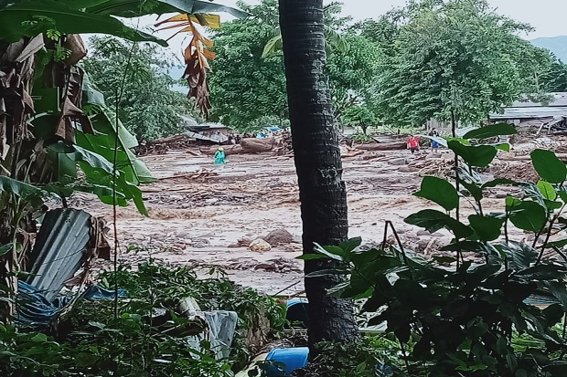 2 Korban Banjir Bandang dan Longsor di Flores Timur Masih Hilang