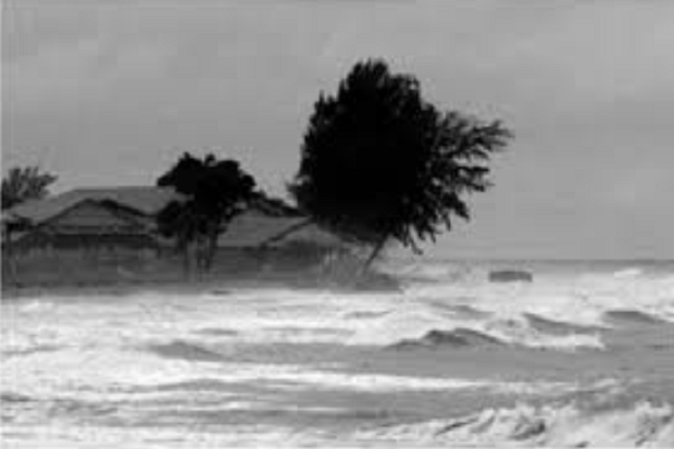 Puting Beliung Hancurkan Belasan Rumah di Labuan Bajo