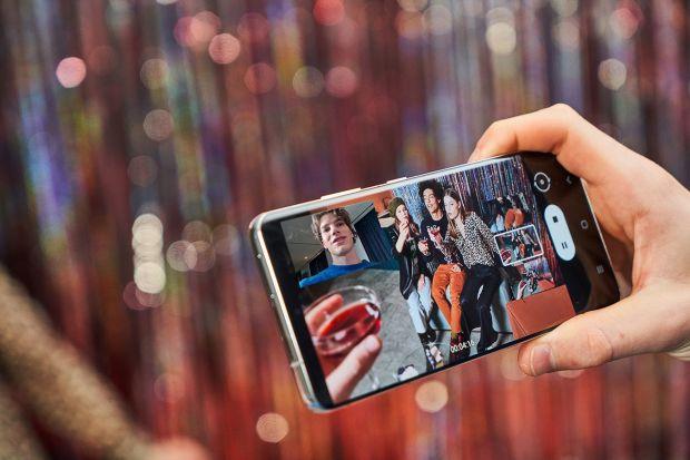 Baterai Pintar dan Mode Malam, Alasan Galaxy S21 Ultra 5G Cocok untuk Film Pendek