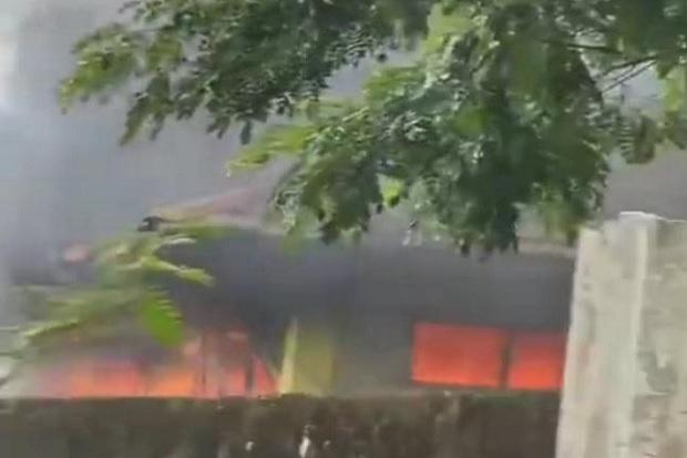 Cianjur Gempar, Masjid di Cibeber Tiba-tiba Terbakar Hebat