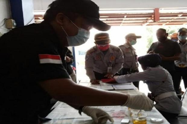 Cegah Aksi Ugal-ugalan, Dishub Tulungagung Cek Urine Puluhan Sopir Bus