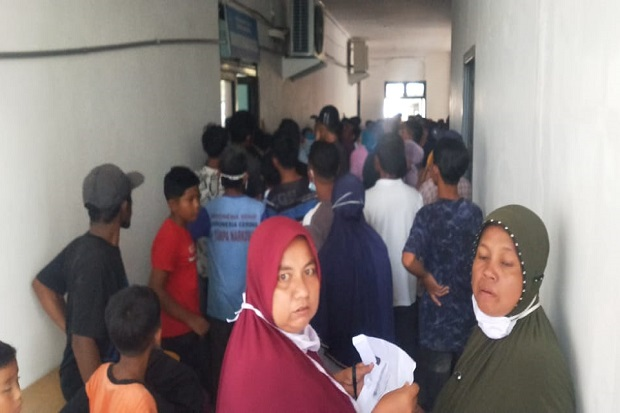 Jelang Ramadhan, Pembagian Uang Meugang di Kantor Bupati Pidie Jaya Ricuh