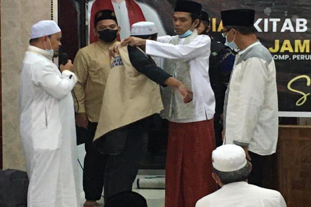 UAS Lepas Ustadz Alam ke Suku Pedalaman Riau untuk Dakwah Selama Ramadan