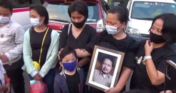 Tuhan Tolong Selamatkan Saya! Teriak Natalina Istri Guru yang Ditembak Mati KKB