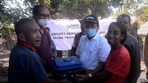 MNC Peduli Serahkan Bantuan Genset untuk Korban Banjir Bandang NTT di Malaka