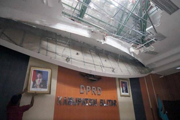 Polisi Didesak Selidiki Kerusakan Gedung DPRD Blitar Akibat Gempa Besar Malang