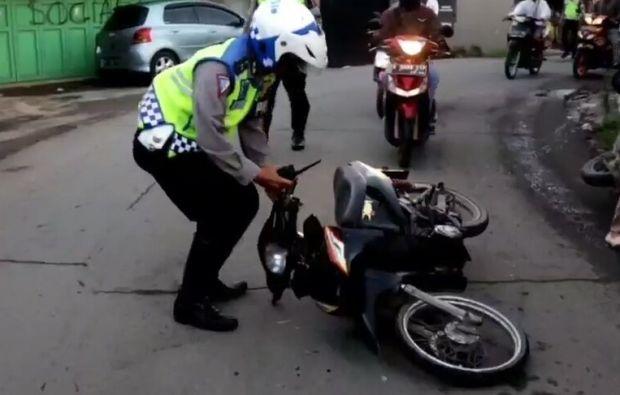 Balap Liar Usai Sahur Dibubarkan Polisi, Puluhan Pemuda Tunggang Langgang