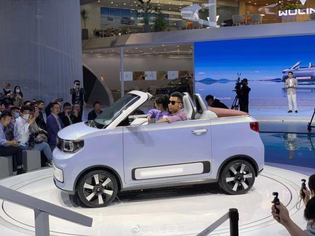 Tesla Killer, Wuling Hongguan MINI EV, hadir Dengan Atap Terbuka