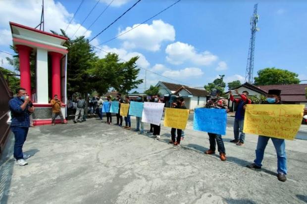 Alamak, Jengkel Demo Tak Digubris, LSM Blitar Ancam Lapor Mendagri