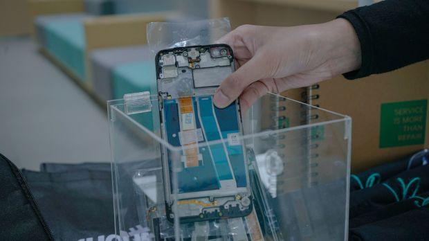 Tukarkan Sampah Elektronik dengan Hadiah dan Merchandise di OPPO Service Center