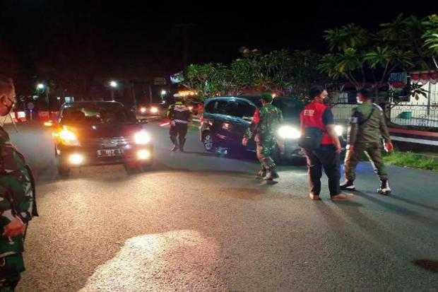 Banyak Kendaraan Plat B dan D, saat Diberhentikan Petugas Mengaku Warga Kuningan