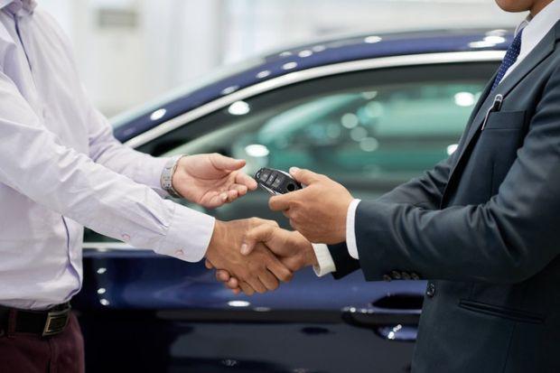 Gara-gara Diskon, Sales Mobil ini Berhasil Rugikan Fiat dan Chrysler Rp124,2 Miliar