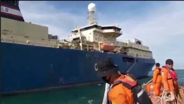 Basarnas dan Polairud Polda Sumut Evakuasi ABK Berbendera Perancis Sakit di Tengah Laut