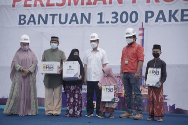 Bagikan Sembako Massal, Gubernur Riau Beri Penghargaan CSR PLTU Tenayan