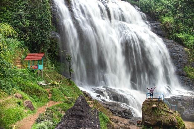 Gak Kalah Keren, 3 Air Terjun Eksotis Ini Bisa Jadi Pilihan Berwisata Lebaran di Jabar
