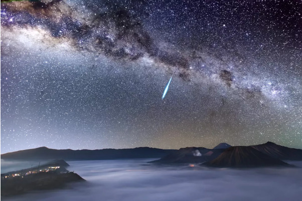 Hujan Meteor Eta Aquarid 2021 Mencapai Puncaknya P