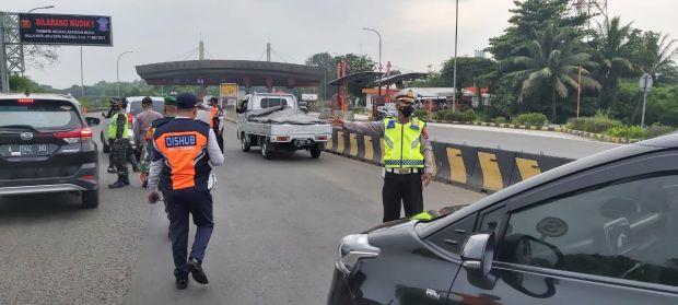 Ngotot Mudik, Puluhan Kendaraan Terpaksa Diputarbalik