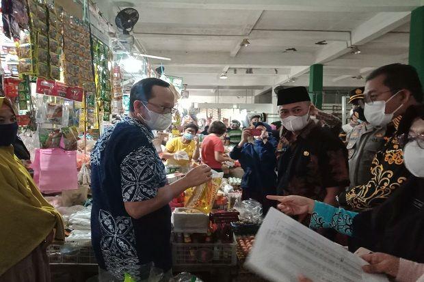 Pantau Harga Sembako Jelang Lebaran, Bupati Bangka Tengah Sidak Pasar Modern