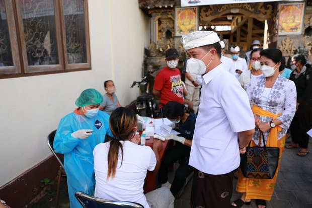 Pemkab Klungkung Gencarkan Vaksinasi di Nusa Penida Menuju Zona Hijau