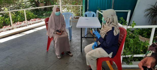 Wanita Berhijab Ini Diamankan Polisi Diduga Pemalsu Swab/ PCR Calon Penumpang Kapal Tujuan Singapura