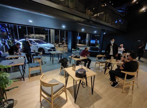 Libur Lebaran Nggak Mudik, Silakan Ngopi, Lihat Mobil Konsep, dan Balap Virtual di Honda Dreams Cafe