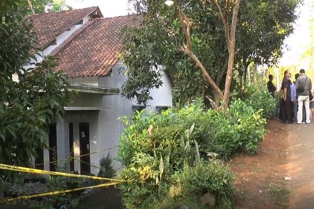 Tangis Jovan Pecah Lihat Rumahnya Dipasang Garis Polisi, Ibu dan Neneknya Dibunuh