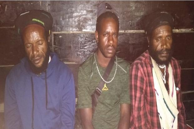 3 Anggota TPNPB OPM Kelompok Lekagak Telenggen Serahkan Diri ke Pasukan Yonif Raider 715