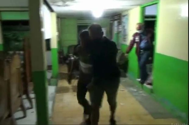 Pasangan Selingkuh di Tuban Digerebek, Warga Mengamuk dan Merusak Balai Desa