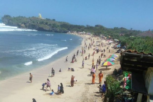 Libur Lebaran, Hampir 100 Ribu Wisatawan Padati Sejumlah Pantai di Gunungkidul