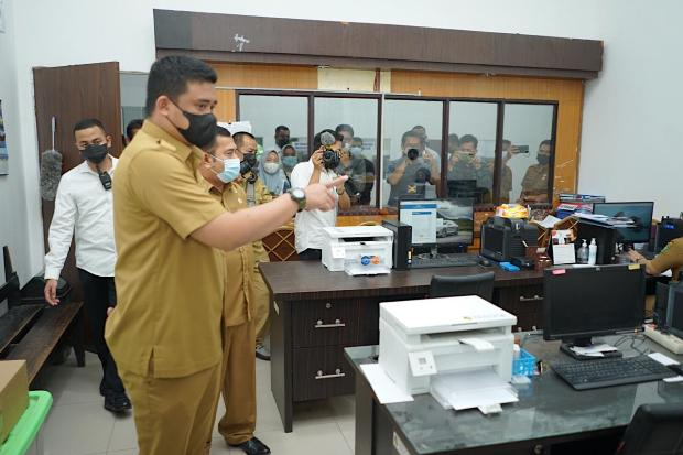 Hari Pertama Kerja, Wali Kota Bobby Nasution Sidak OPD, yang Absen Bakal Disanksi