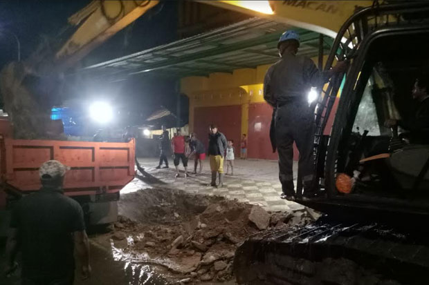 Bangunan Ruko yang Tutupi Drainase di Bulukumba Dibongkar