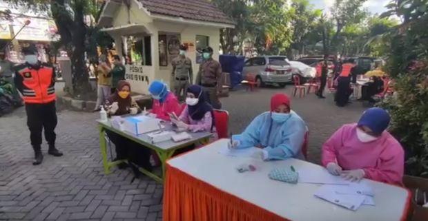 50 Orang Terpapar COVID-19, Pemkot Surabaya Wajibkan Penghuni Rusun Vaksinasi
