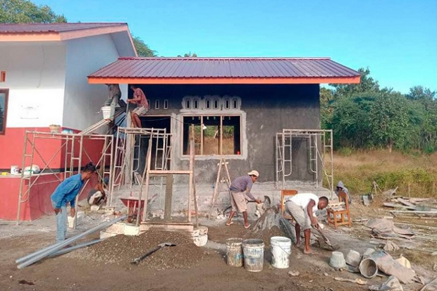Perusahaan Investasi Bermitra dengan HHI Bangun Perpustakaan Sekolah di Kupang NNT